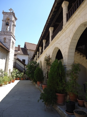 Thanos Hotels_Kloster von Chrysorrogiatissa_Bildnachweis bitte = SvO PR