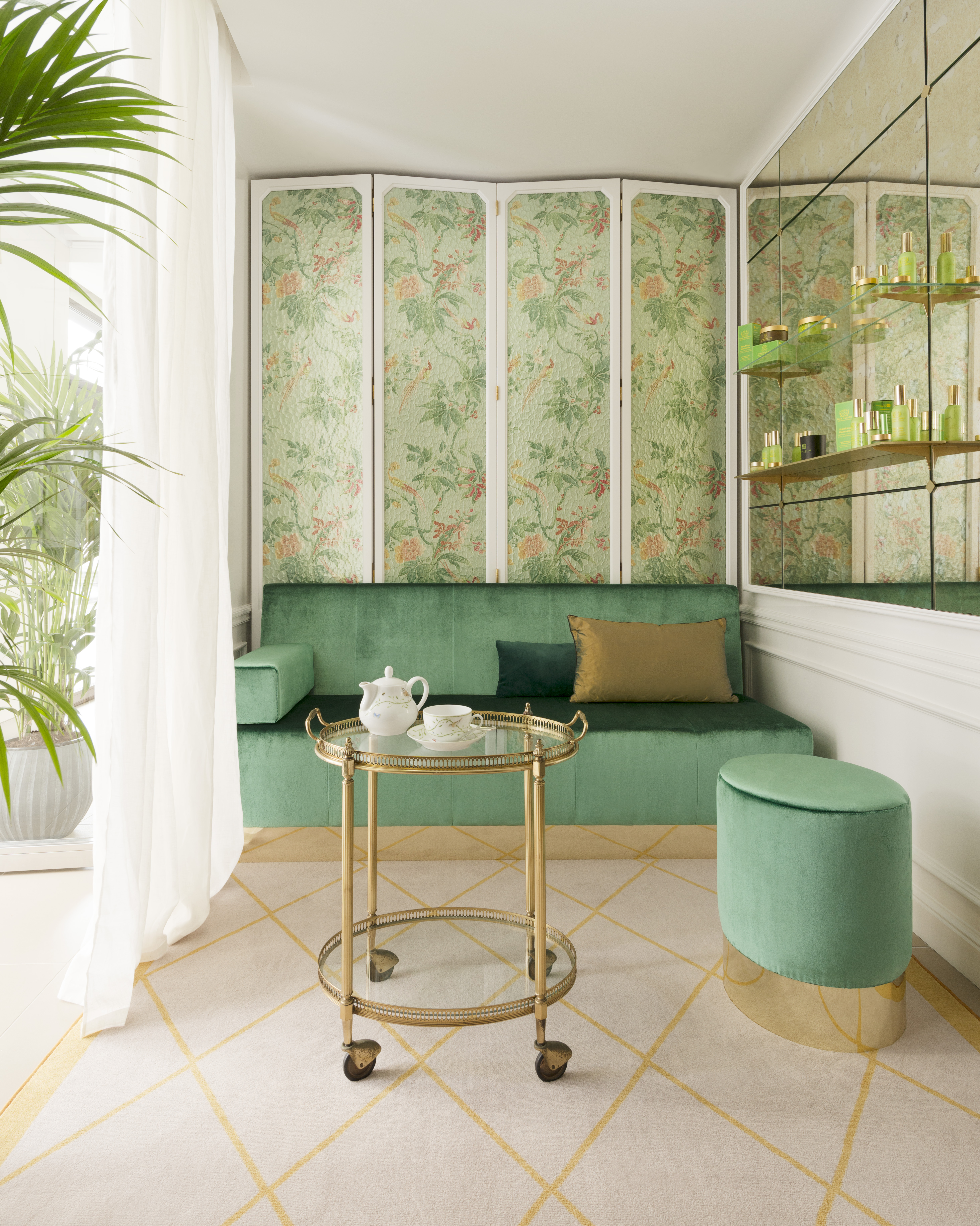 Le_Bristol_Paris-Tata_Harper_Spa_Room-1_3603