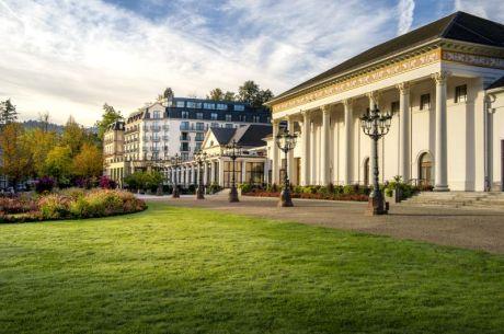 Hotel_Kurhaus_exterior.jpg