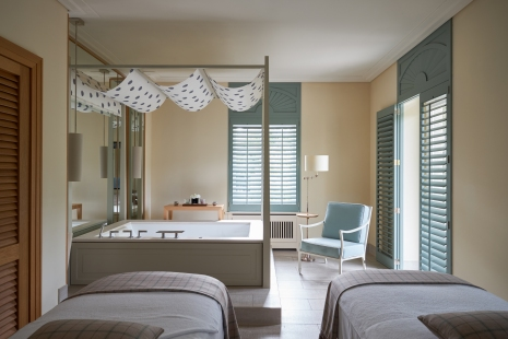 Villa-Stephanie-couple-treatment-room_9370.jpg