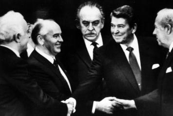 1985 Mikhaïl Gorbatchev et Ronald Reagan
